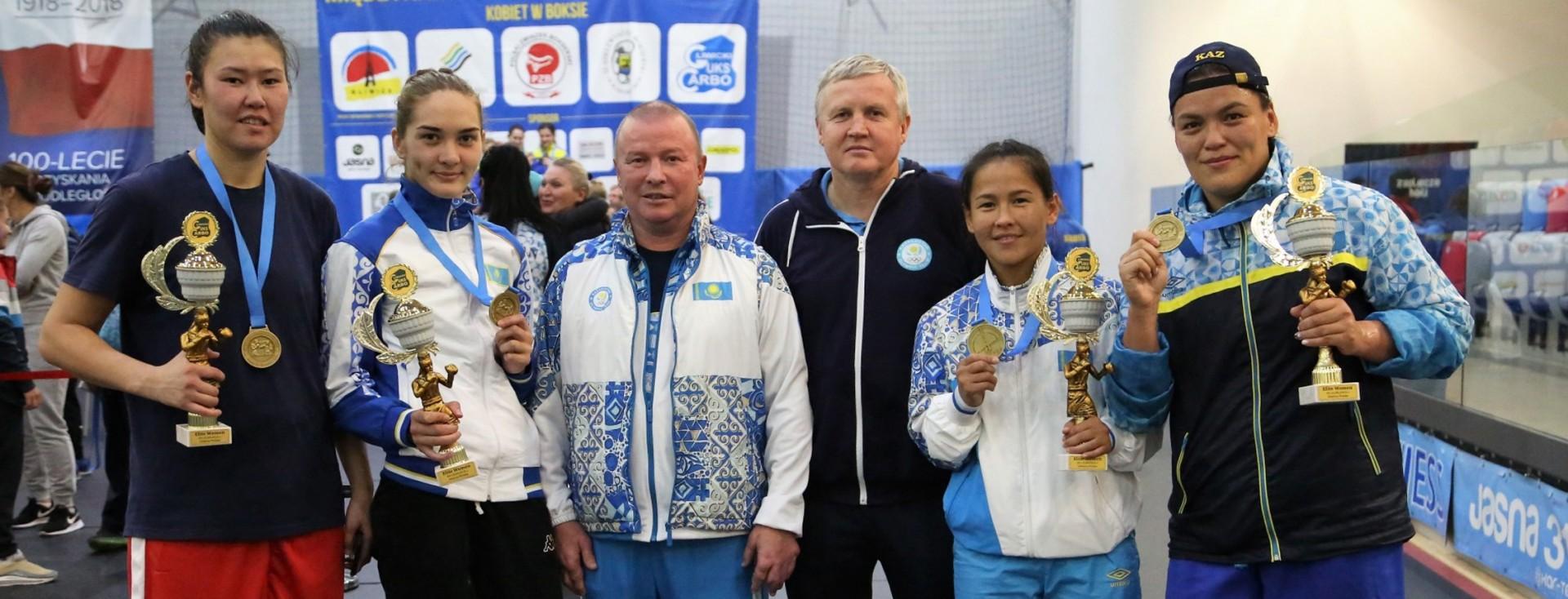 Казахстанские спортсменки забрали четыре золота на международном турнире в Польше , Спорт, Бокс