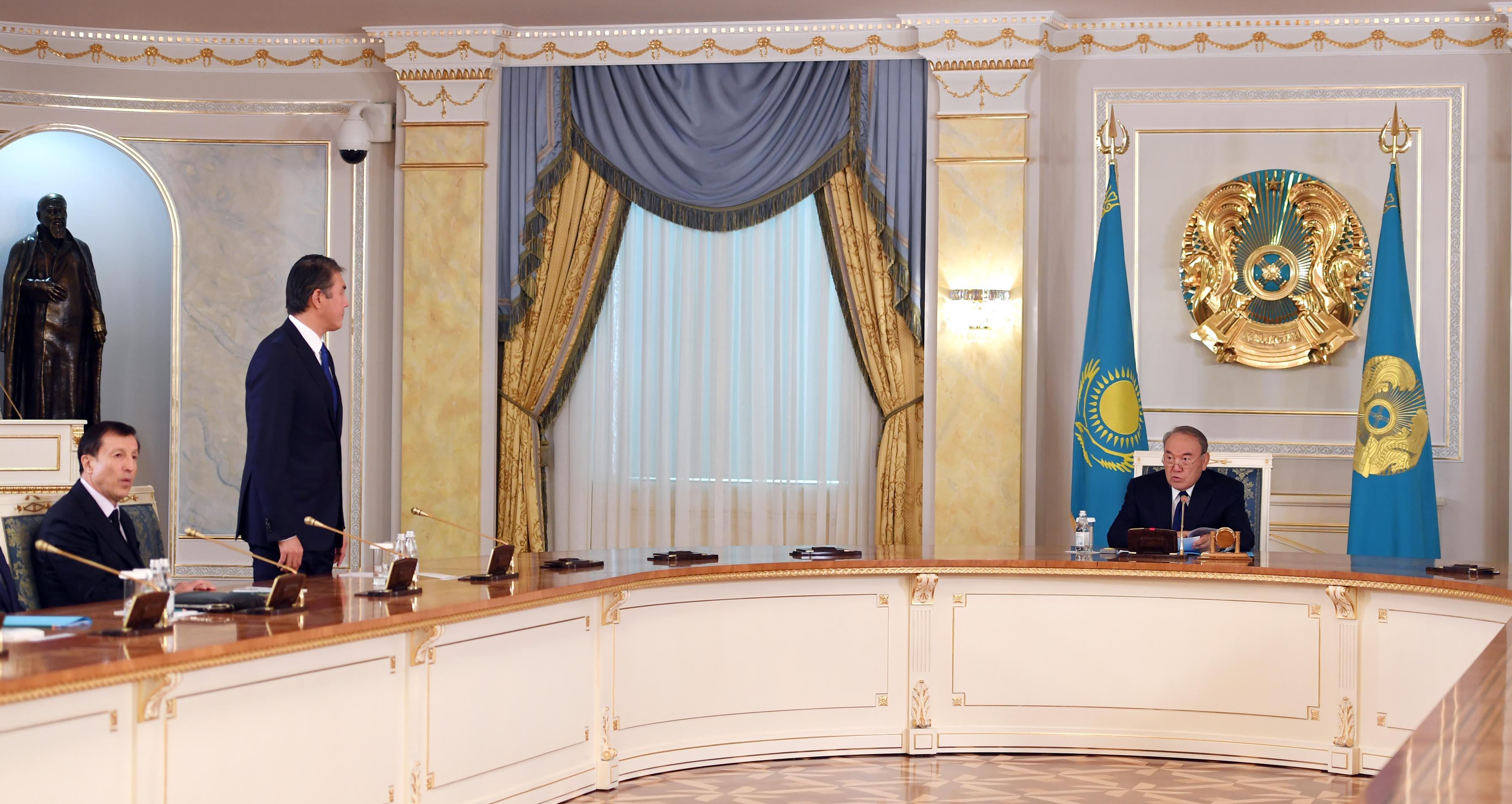 Назарбаев поручил Администрации президента эффективнее координировать работу акиматов и помогать им в реализации госпрограмм,  президент , акиматы, администрация президента, Асет Исекешев