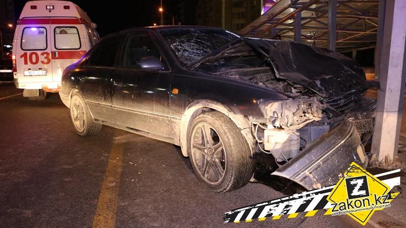 В ДТП на проспекте аль-Фараби в Алматы столкнулись две Toyota Camry