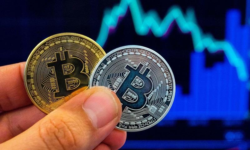 Стоимость биткоина вновь опустилась в цене