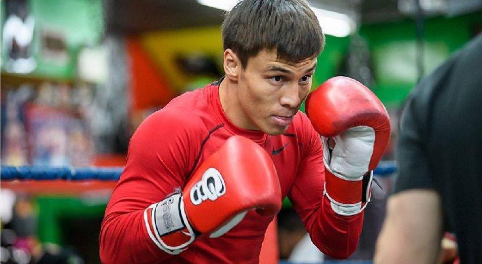 Непобежденный казахстанец нокаутировал соперника за 35 секунд