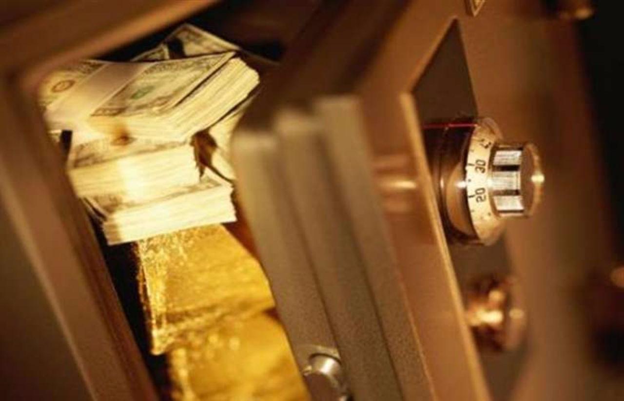 В Костанае грабитель похитил из обменного пункта около 400 тысяч долларов
