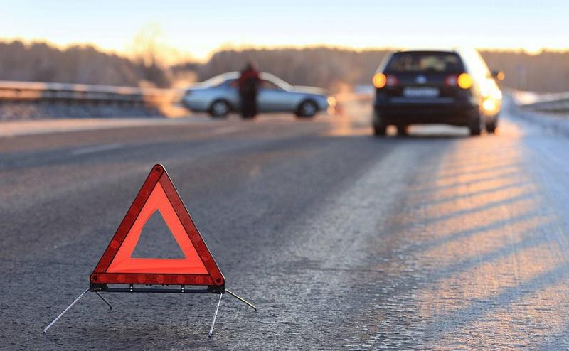 После ДТП в Алматы автомобили оказались друг от друга на расстоянии полукилометра