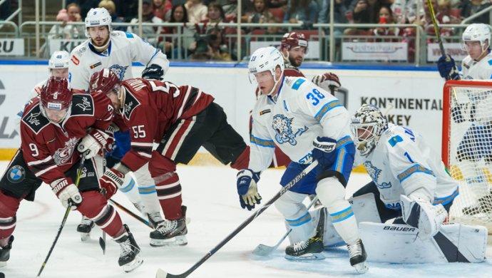 Регулярка КХЛ: «Барыс» оторвался в Риге