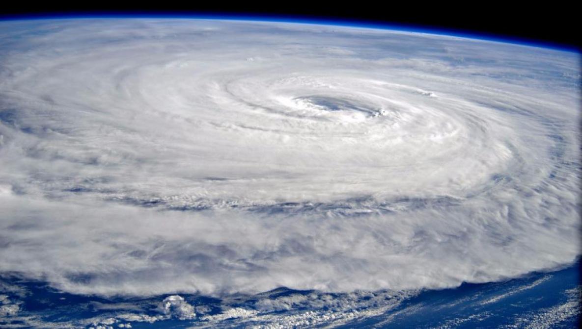 """На юге Китая ввели наивысший уровень опасности из-за тайфуна """"Мангхут"""", Китай, Уровень опасности, Тайфун, Мангхут"""