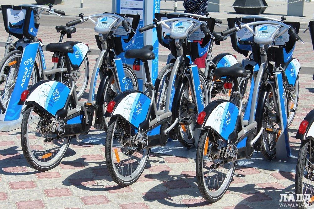 В Актау появились первые станции проката велосипедов