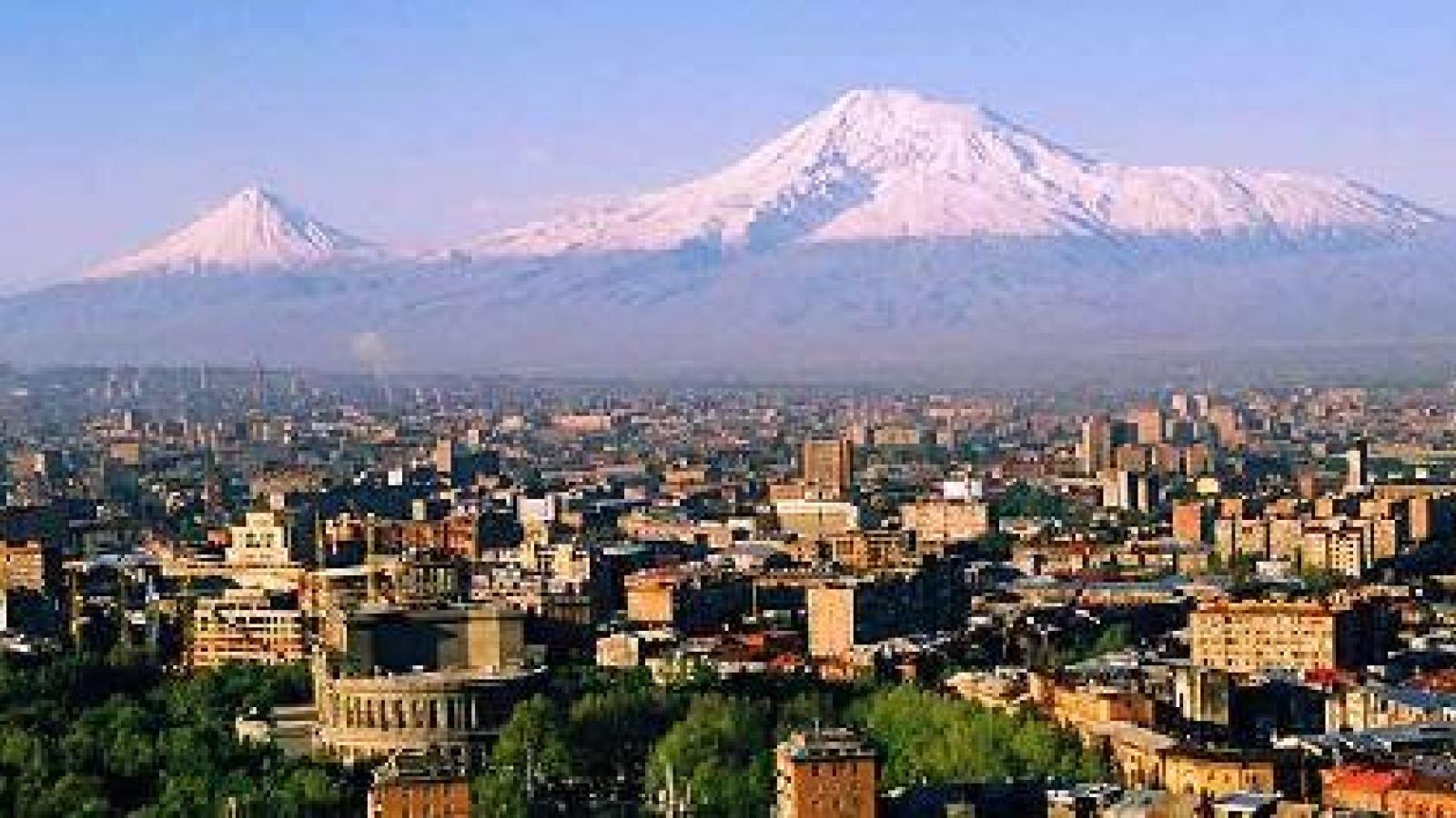 В Армении сегодня пройдут внеочередные выборы в парламент