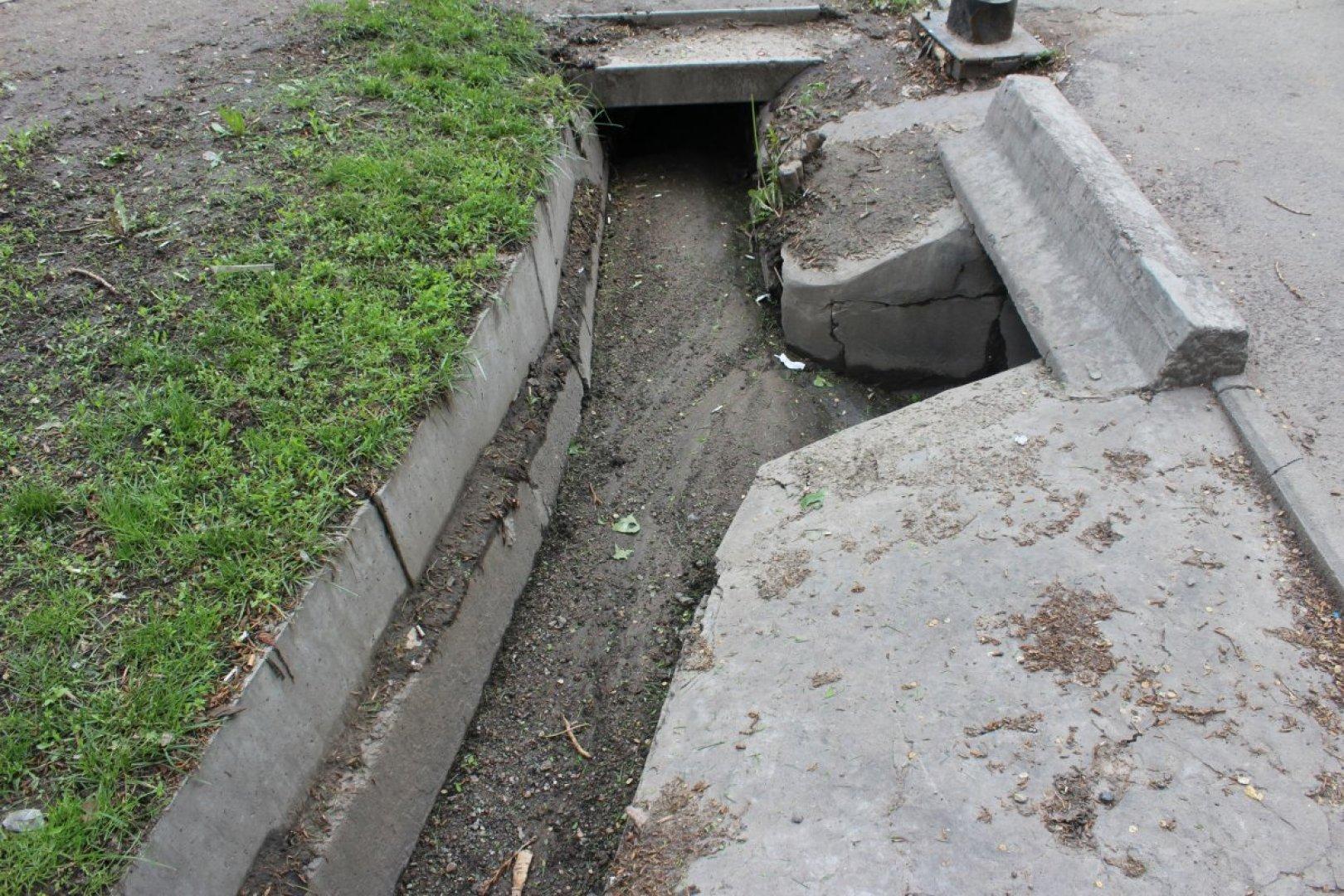 Аким Алматы поручил восстановить за счет подрядчиков разрушенные за зиму городские арыки