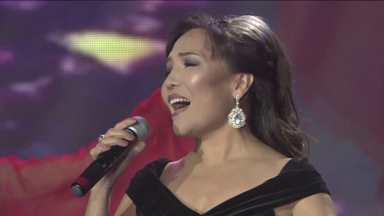 Клара Толенбаева с супругом Медетом Салыковым посвятили песню в благодарность медицинским работникам