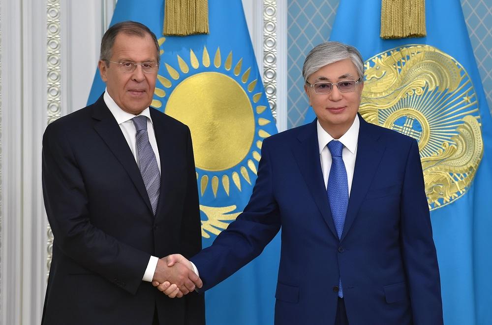 Касым-Жомарт Токаев принял министра иностранных дел Российской Федерации Сергея Лаврова