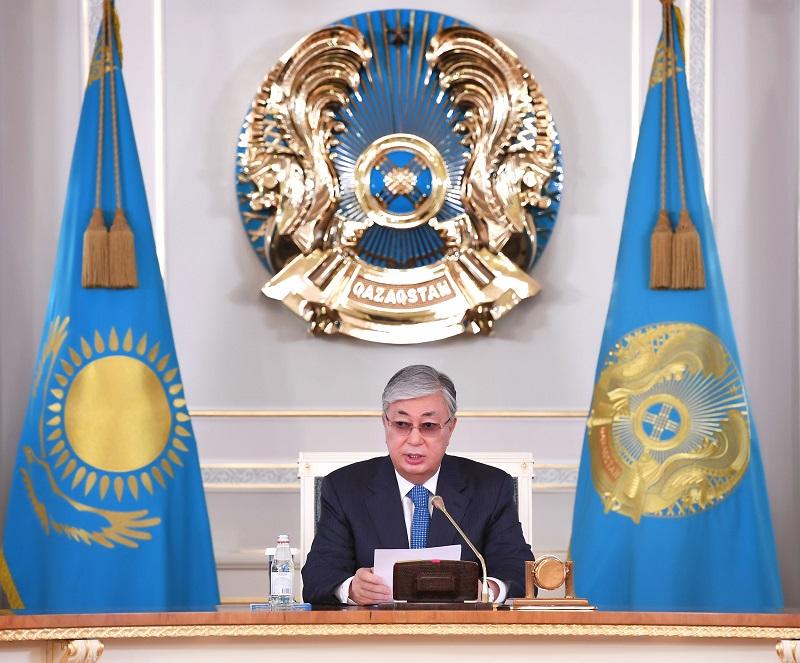 Касым-Жомарт Токаев объявил выговор министру обороны Казахстана