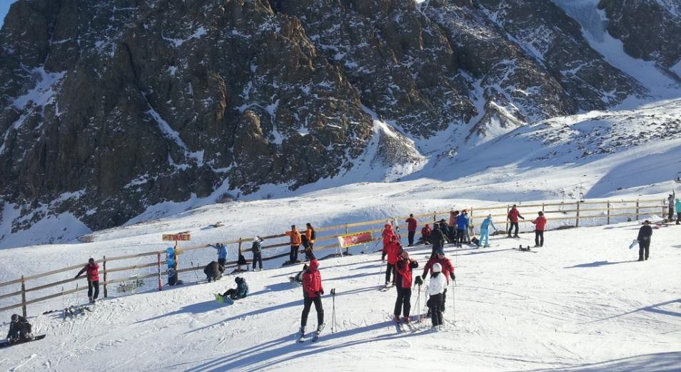 Казахстанцы, привыкшие отдыхать на швейцарских горнолыжных курортах, пока не спешат менять их на Бурабай и Чимбулак