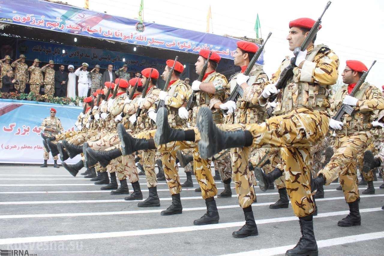 Иран на параде продемонстрировал новые типы военной техники и вооружения