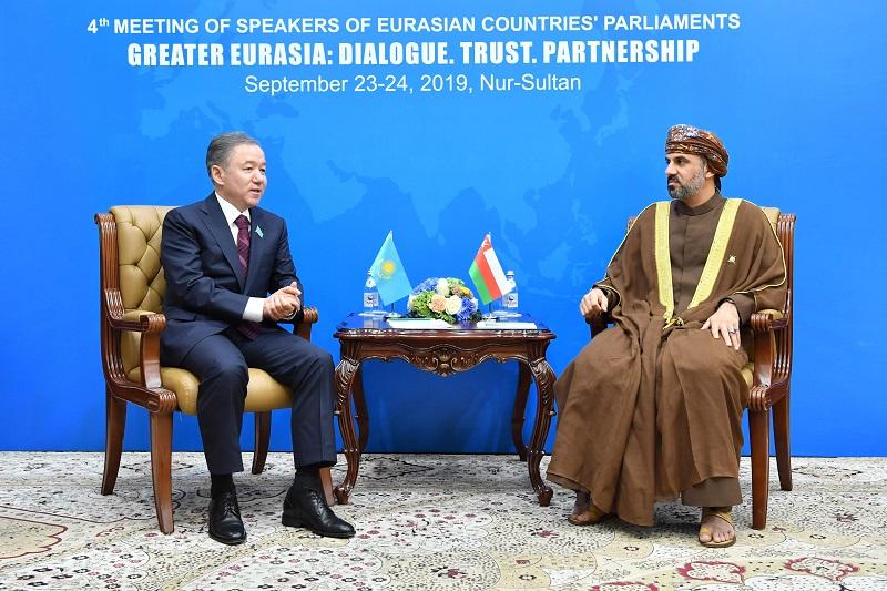 Нурлан Нигматулин поприветствовал парламентские делегации Иордании и Омана