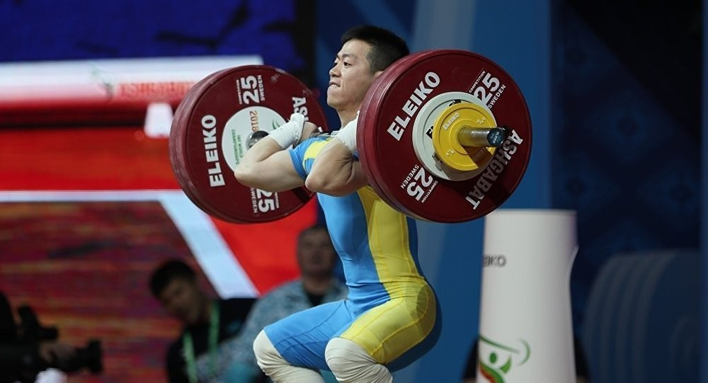 Арли Чонтей взял бронзу на чемпионате Азии по тяжелой атлетике