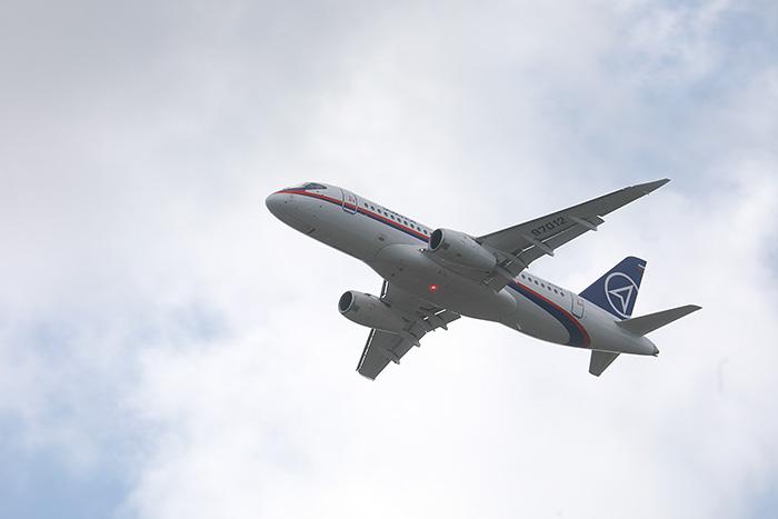 Казахстан заинтересован в покупке самолетов SSJ 100