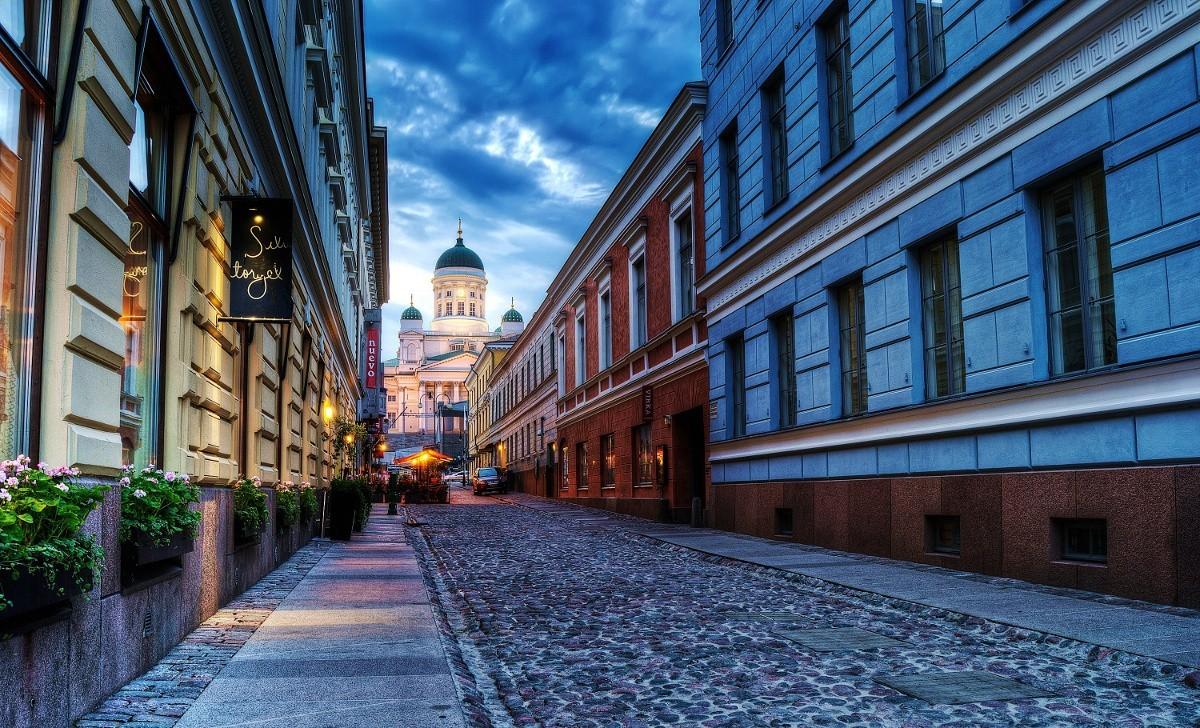 В Финляндии около 80 тысяч домов остались без электричества из-за шторма