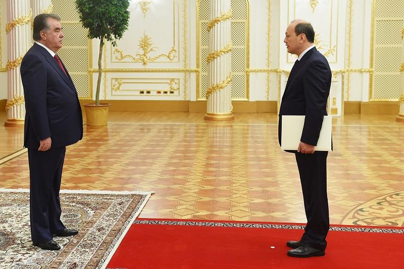 Посол Казахстана вручил верительные грамоты президенту Таджикистана