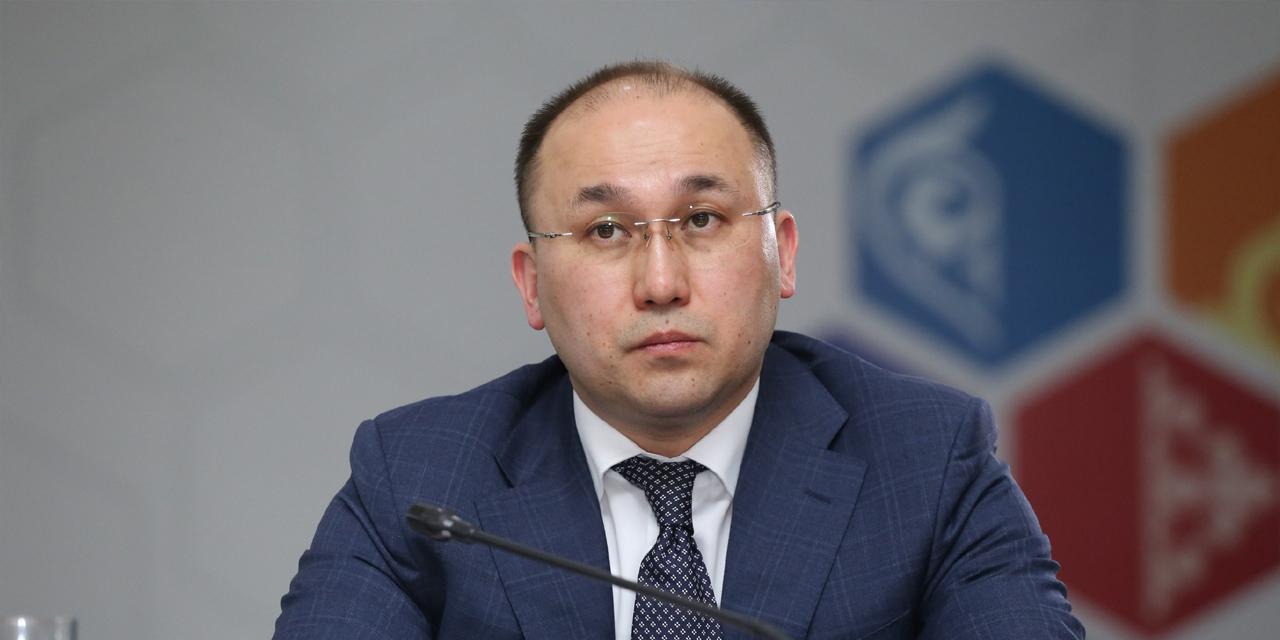 Даурен Абаев считает несправедливыми распространившиеся в соцсетях требования об отставке Мадины Абылкасымовой