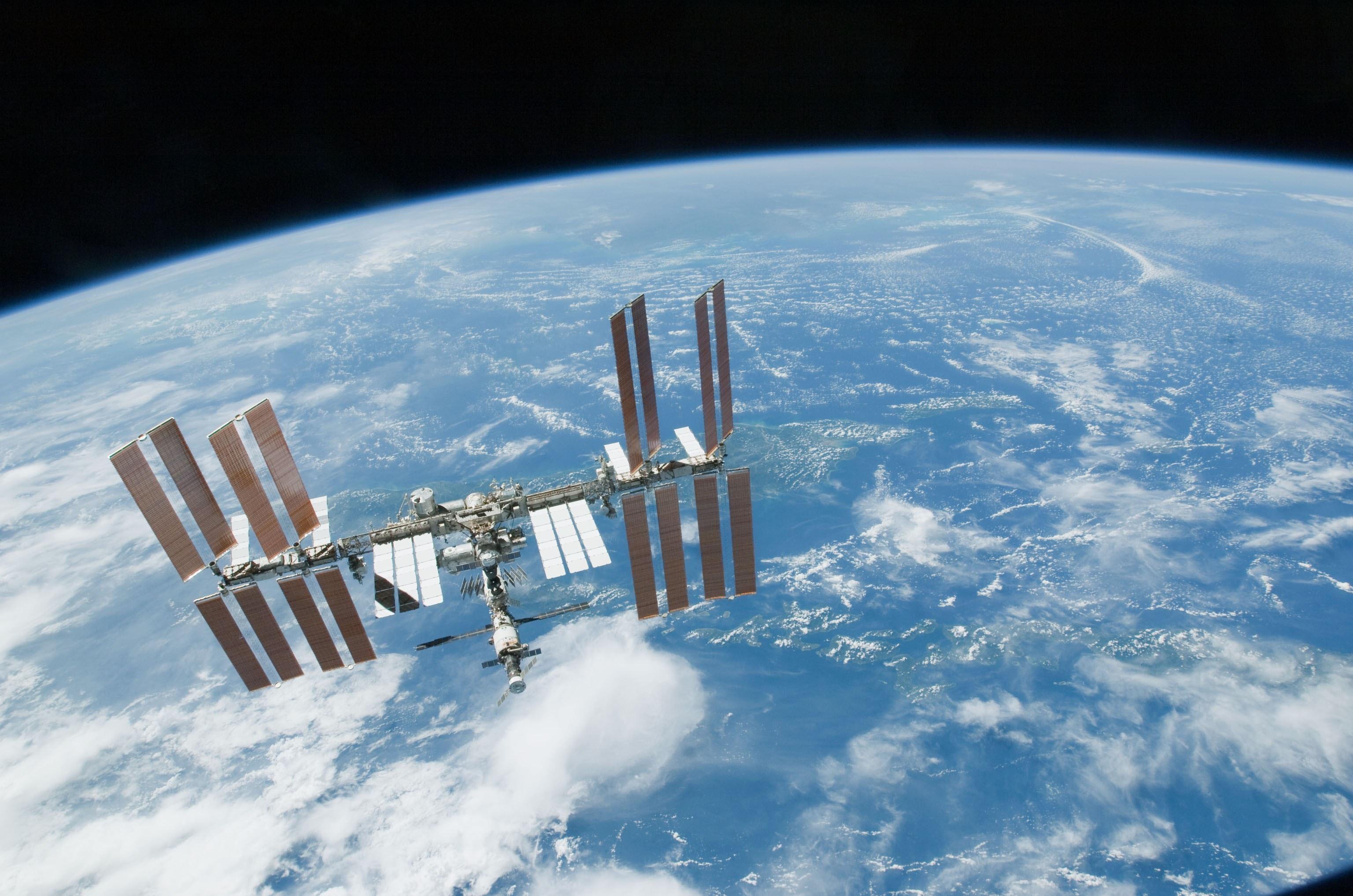 Экипажи 58/59 длительной экспедиции на МКС начнут подготовку на Байконуре