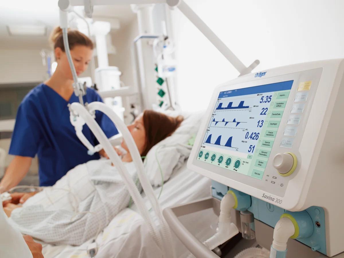 В Кокшетау вдвое увеличили объемы выпуска аппаратов искусственной вентиляции легких