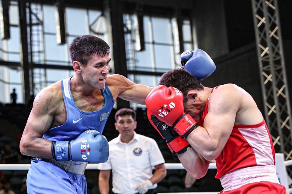 Турсынбай Кулахмет вышел в 1/4 финала ЧМ по боксу в Екатеринбурге