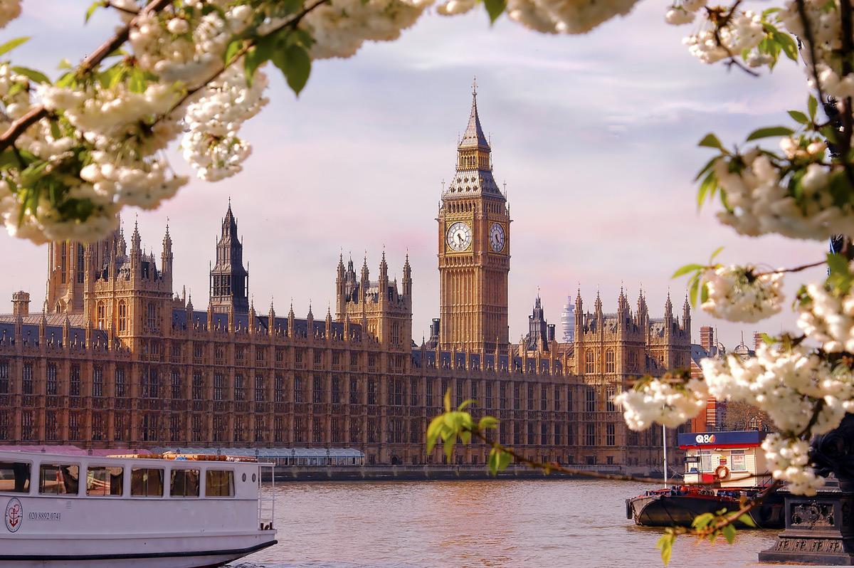 Видео с гуляющим по Лондону Рыскалиевым прокомментировали в Генпрокуратуре