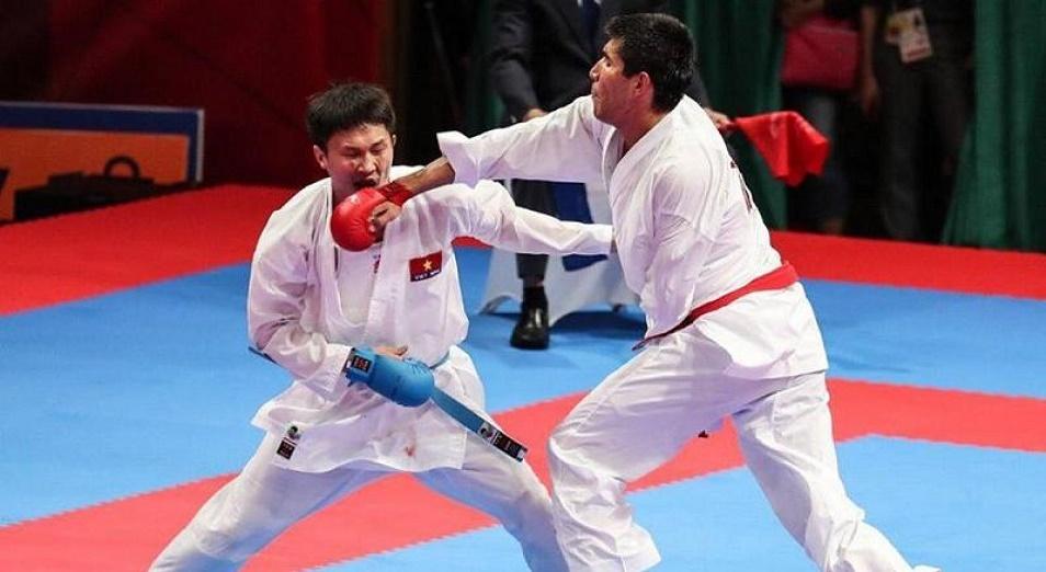 ЧМ по каратэ: Два казахстанца поборются за бронзу