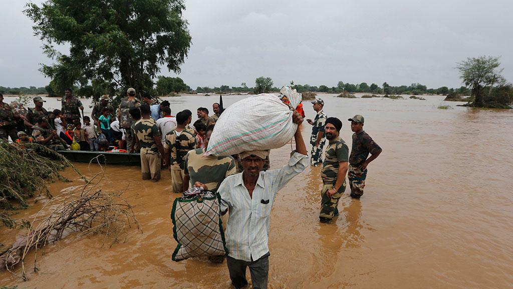 Жертвами проливных дождей в Южной Азии стали 200 человек