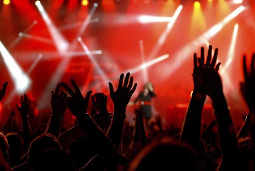 Карагандинский ночной клуб оштрафовали за концерт рок-группы во время ЧП