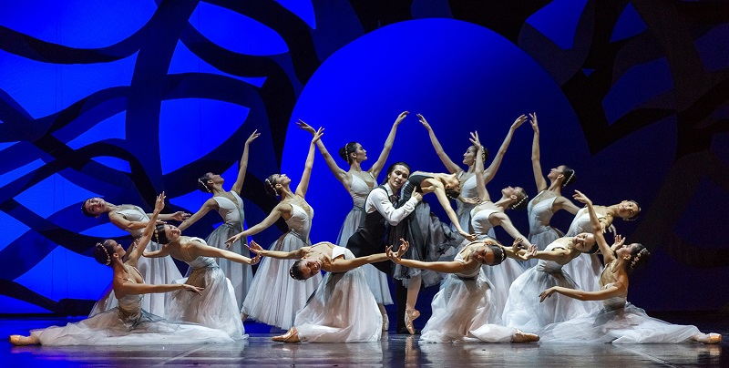 Театр «Астана Балет» выступил в Ташкенте