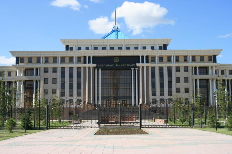 Министр обороны почтил память воинов, погибших на таджико-афганской границе