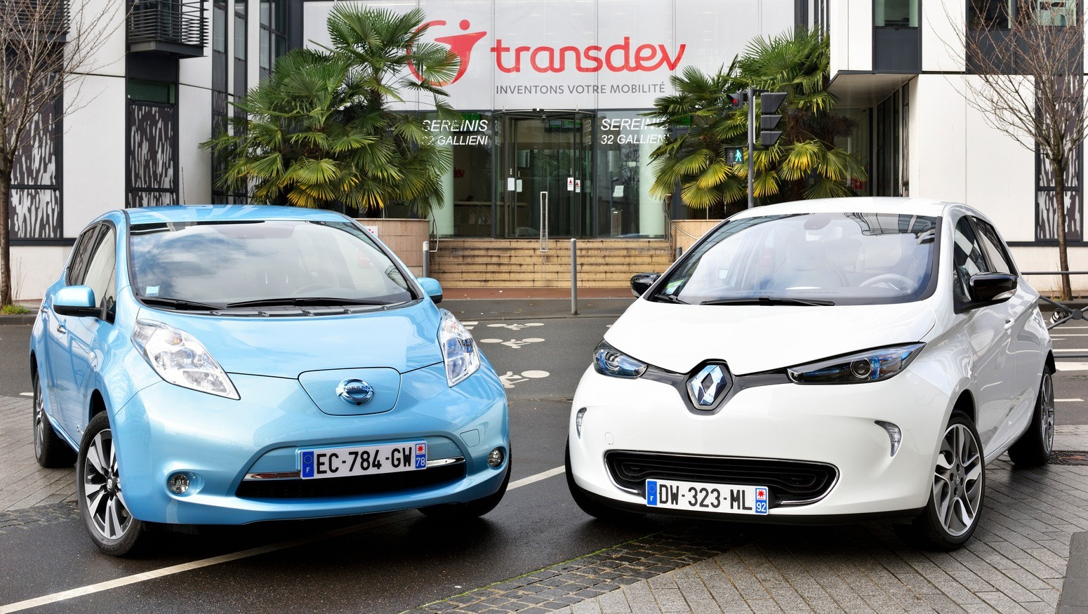 Судьбу альянса Renault-Nissan-Mitsubishi должен решать бизнес - Абэ