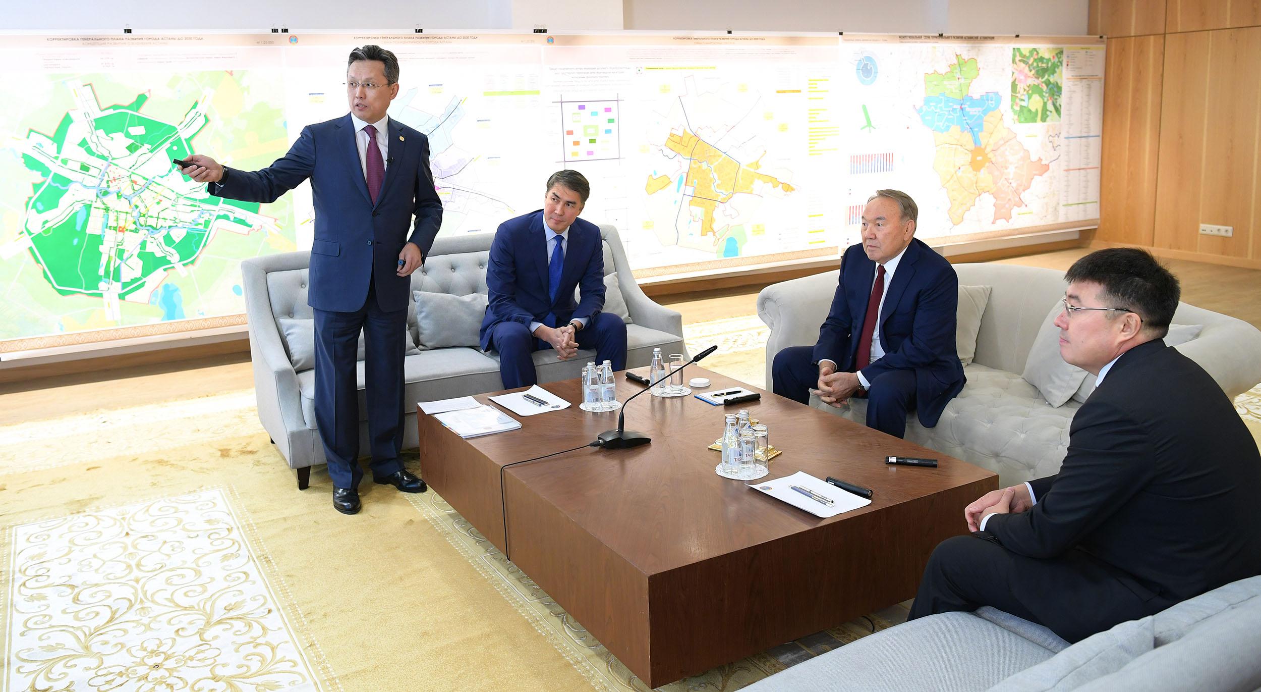 Нурсултан Назарбаев ознакомился с генпланом Астаны