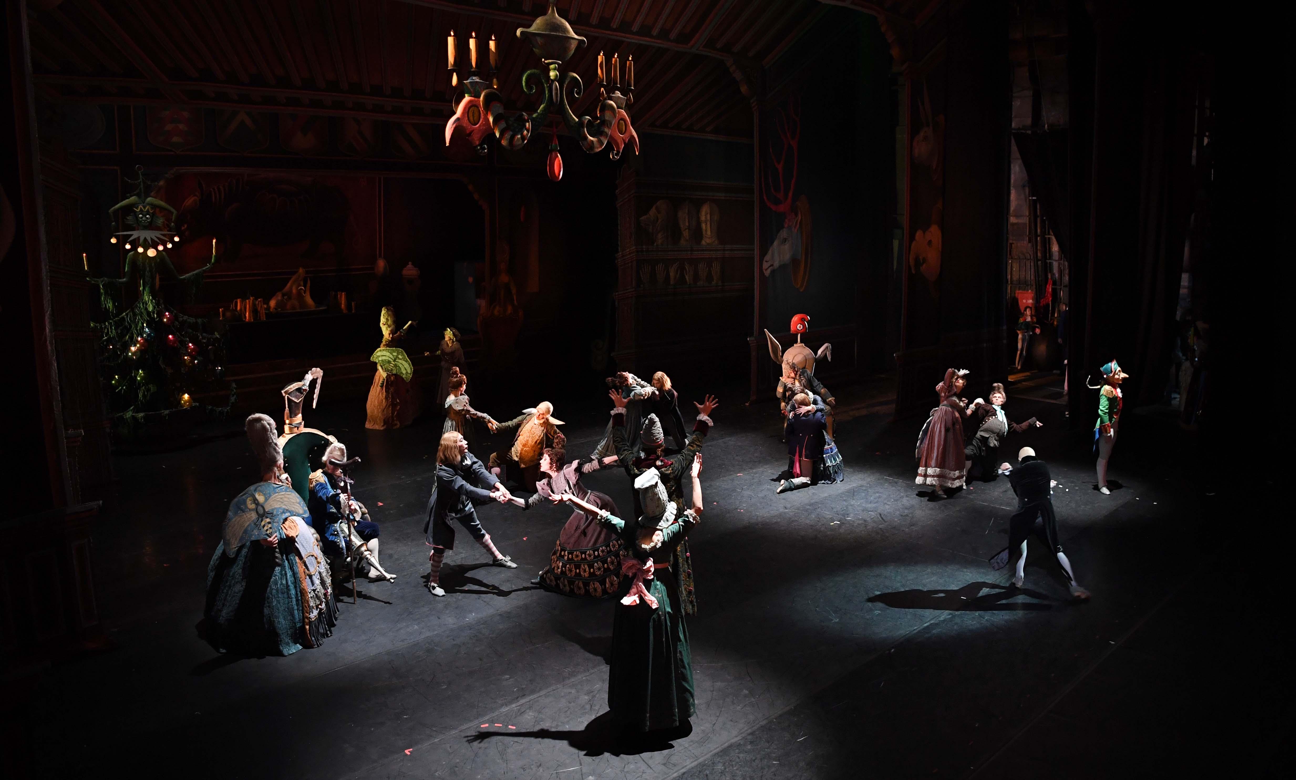 Нурсултан Назарбаев посетил балет «Щелкунчик» в Санкт-Петербурге