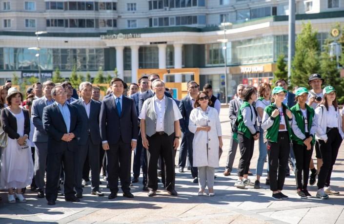В  Нур-Султане открылась фотовыставка «Нурсултан Назарбаев. Эпоха созидания»
