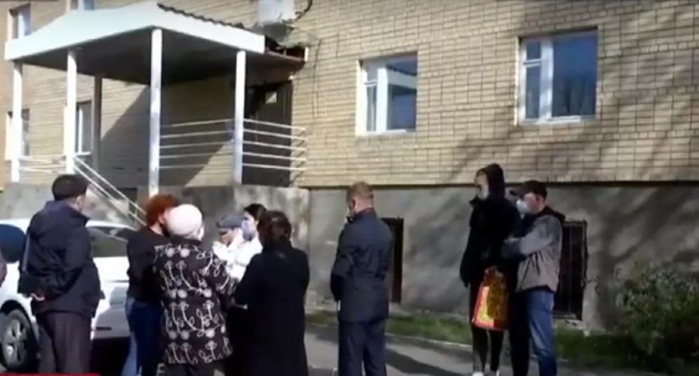 Столичный акимат не нашел средств на ремонт разваливающегося дома