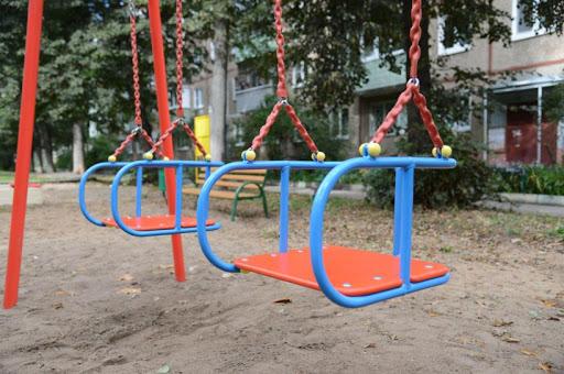 В Усть-Каменогорске придомовые дворы выставили на продажу