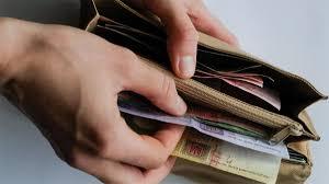 Жены акимов пожаловались, что вся зарплата их супругов уходит на проверяющих