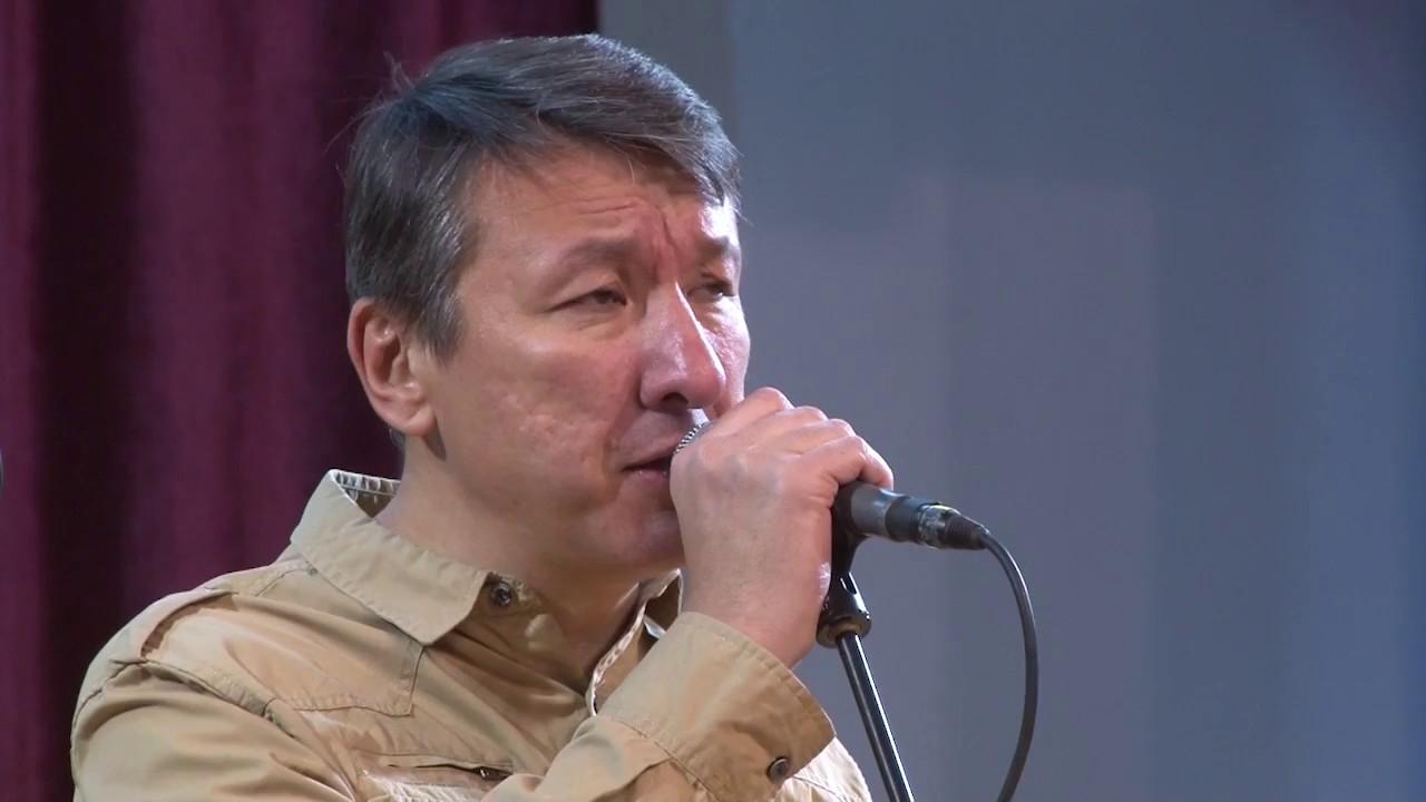 Казахстанский музыкант удостоен российской награды за цикл песен о ВОВ