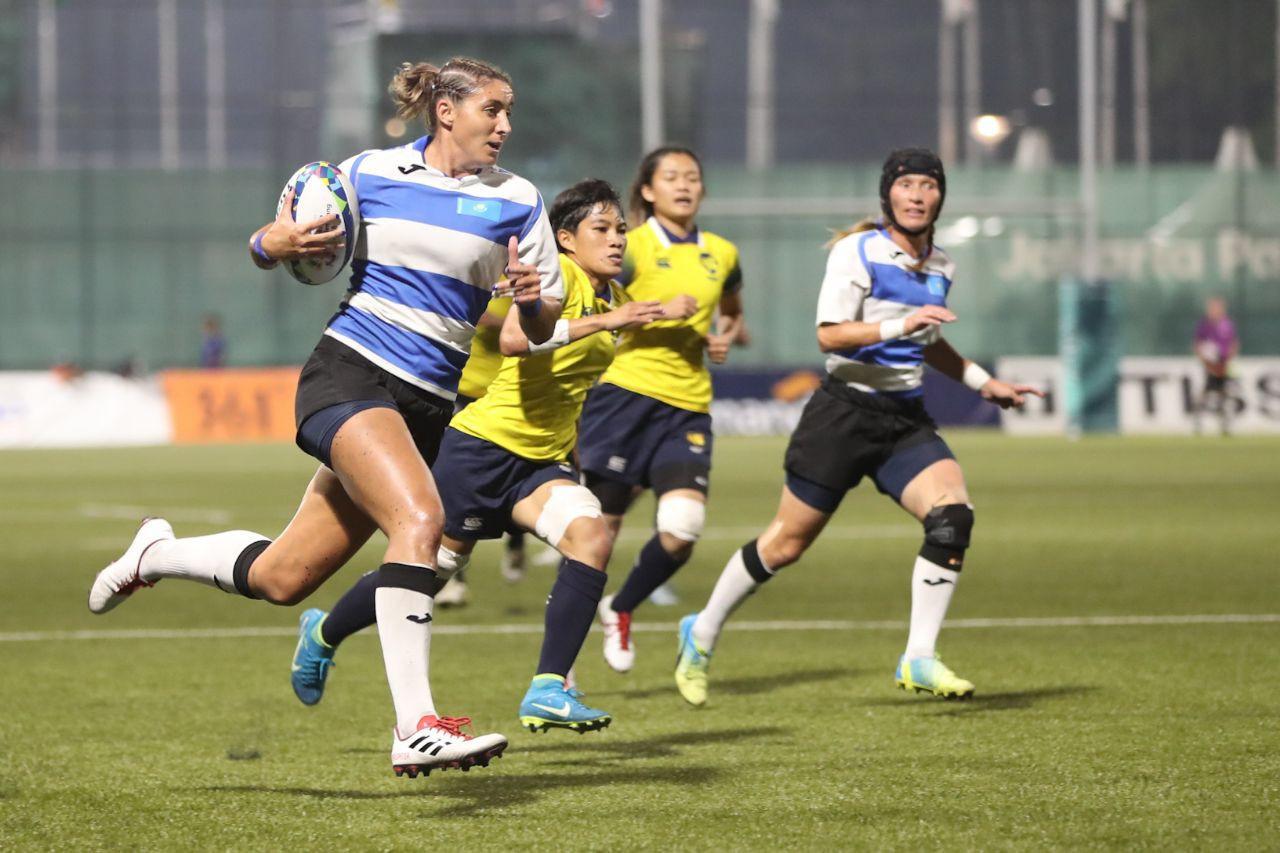 Женская команда РК по регби стартовала с победы в Гонконге