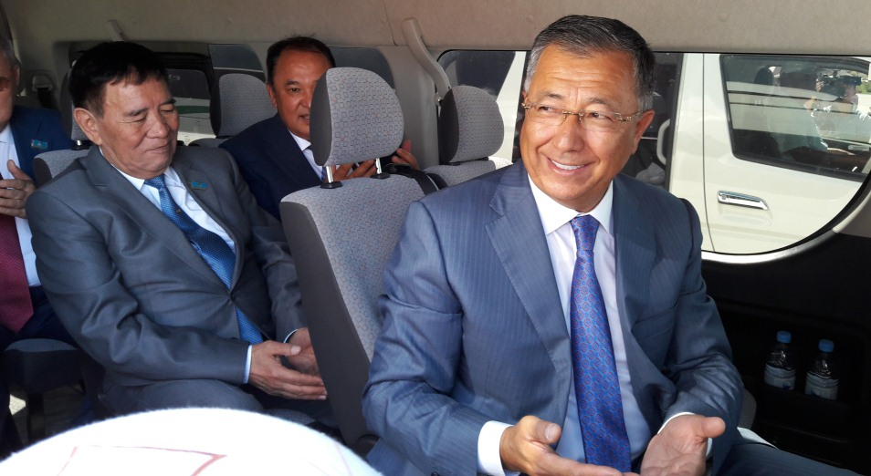 Чиновники туркестанского акимата официально съехали из Шымкента