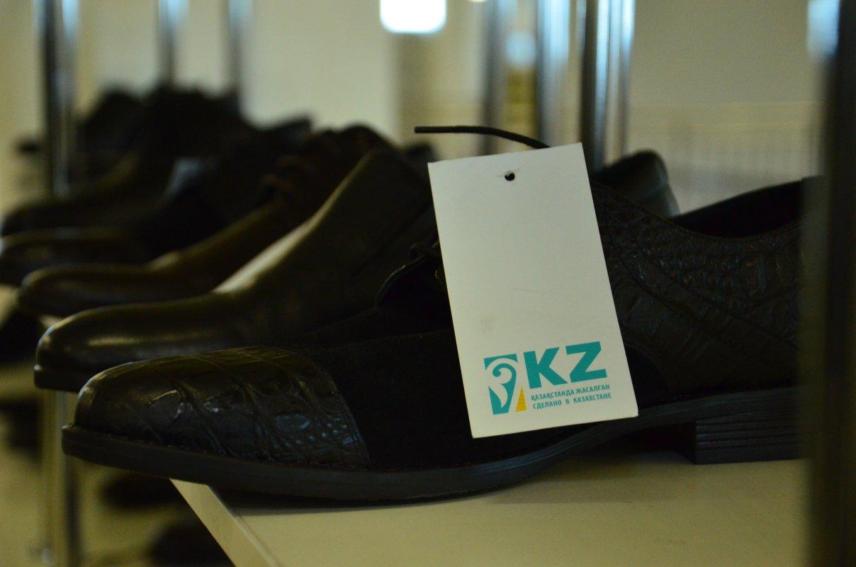 В Туркестанской области открылся цех по производству обуви