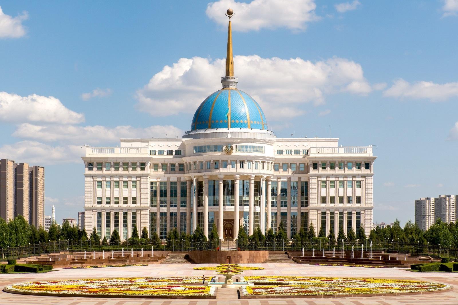 Казахстан посетит премьер-министр Венгрии