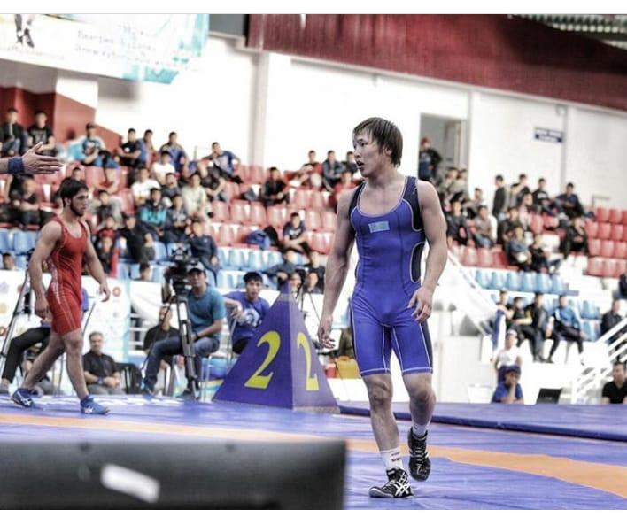 Казахстанские борцы завоевали шесть медалей в первый день чемпионата Азии U-23