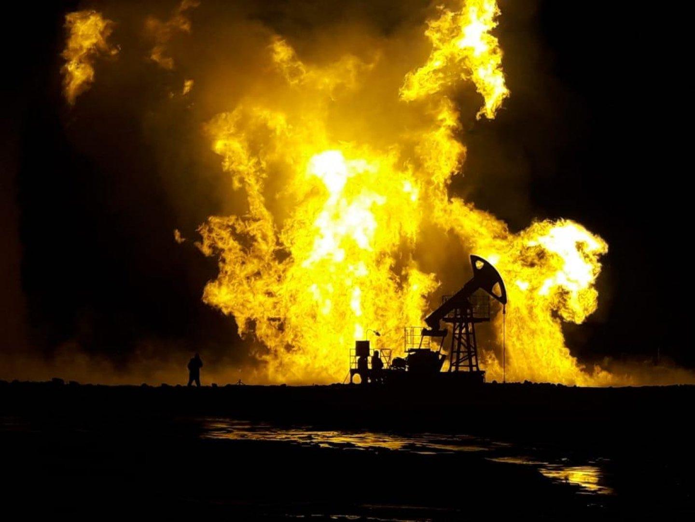 На Каламкас начались работы по ликвидации горевшей скважины