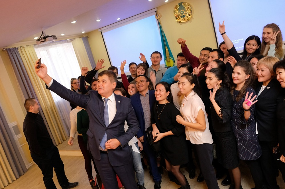 Елжан Биртанов: «Молодым коллегам: это большая привилегия – быть врачом»