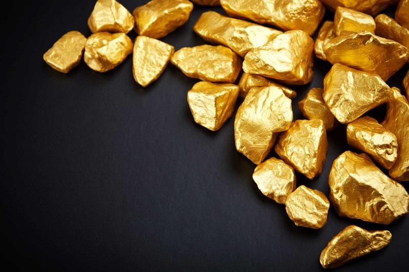 Золото продолжает рост, оставаясь безрисковым вложением