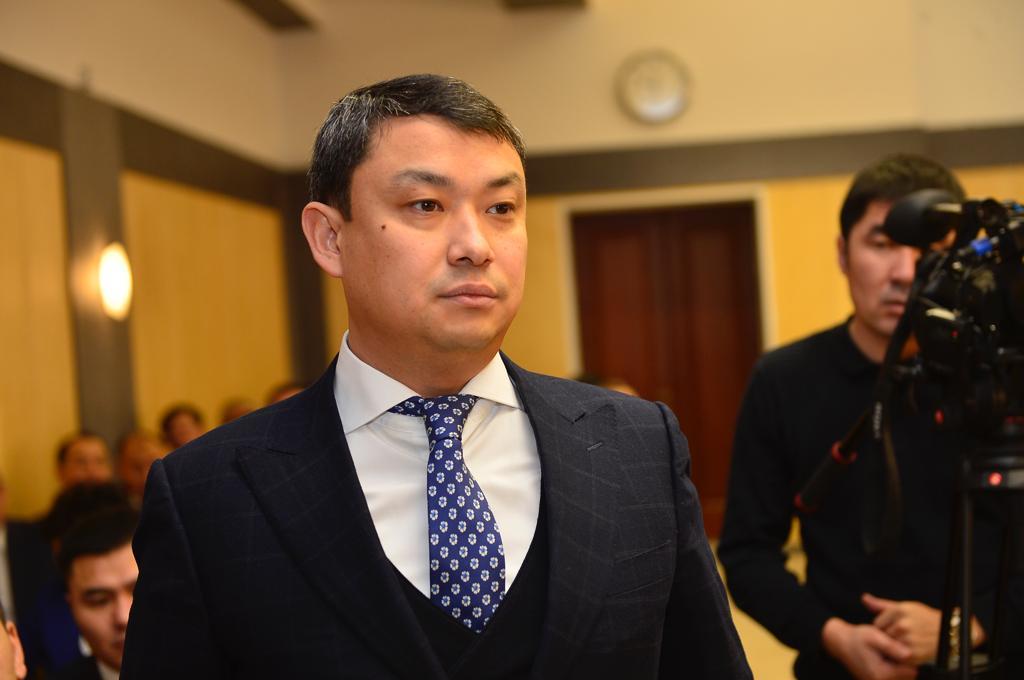 Досье: Крамбаев Айбек Утегалиевич , Айбек Крамбаев, акимат Атырауской области