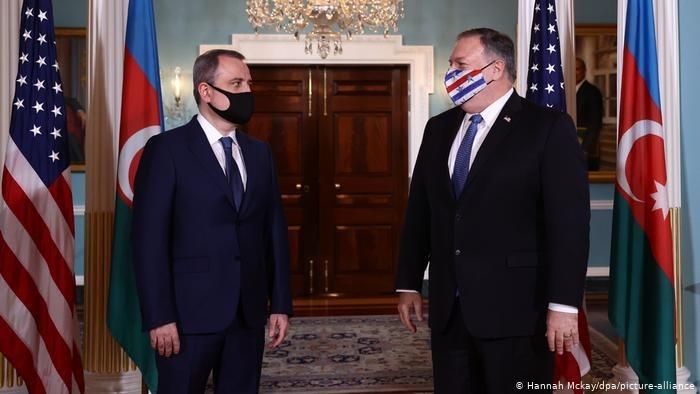 Майк Помпео Армения мен Әзербайжан Сыртқы істер министрлерін қабылдады
